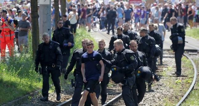 """ألمانيا.. 3 آلاف متظاهر يحتجون ضد مؤتمر حزب """"البديل"""" المتطرف"""