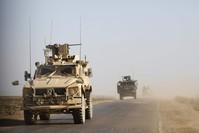 قوات أمريكية في محيط دير الزور (من الأرشيف)
