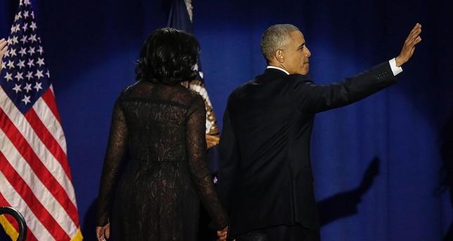 أوباما يودع الحياة السياسية بالدموع بعد خطاب مؤثر