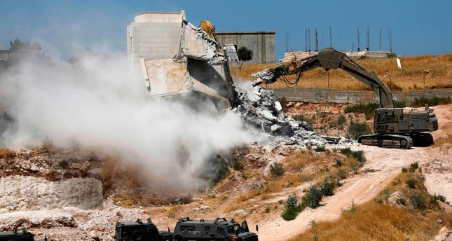 Israel demolishes Palestinian homes in East Jerusalem
