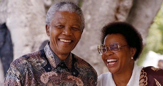 نيلسون مانديلا وزوجته- أرشيفية