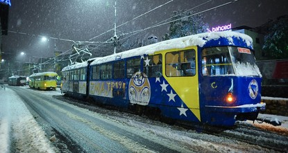 pThe capital of Bosnia and Herzegovina has been covered in blanket of white due to unexpected snowfalls starting Tuesday evening./p  pThe inhabitants of Sarajevo, who had been enjoying rising...