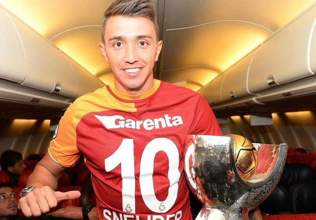 Muslera enjoys 10th cup in 5 years while Galatasaray bag Super Cup