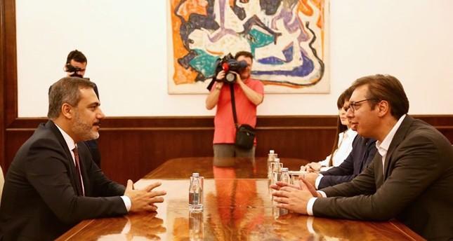 رئيس جهاز الاستخبارات التركية يلتقي الرئيس الصربي في بلغراد