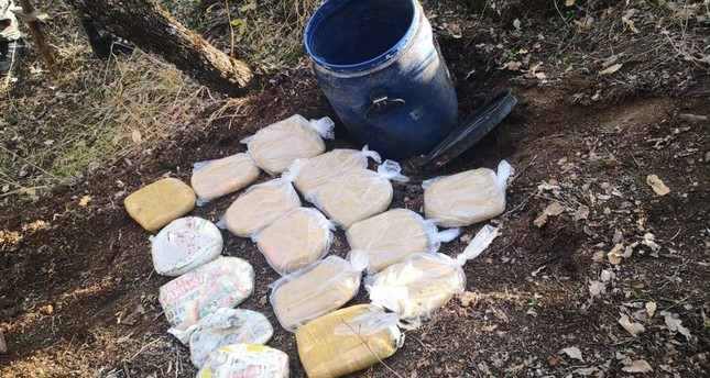 Security forces found dozens of packages containing marijuana during operations in Diyarbak?r's Lice, Nov. 15, 2019. (AA Photo)