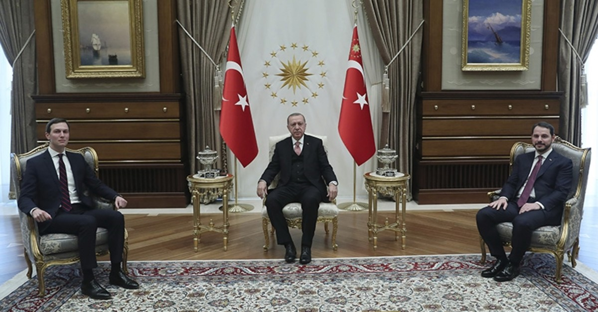 President Recep Tayyip Erdou011fan (C) accompanied by Economy Minister Berat Albayrak (R) meets with Jared Kushner, left, U.S. President Donald Trump's adviser and son-in-law, at the Presidential Complex in Ankara on Feb. 27, 2019. (AP Photo)