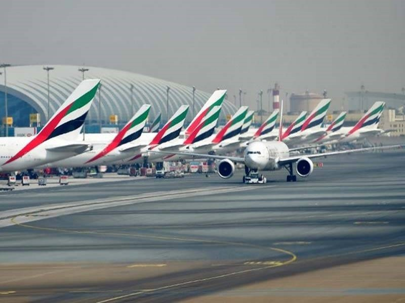 A picture take on September 14, 2017 shows Emirates planes parked at the tarmac at Dubai's International Airport. (AFP Photo)