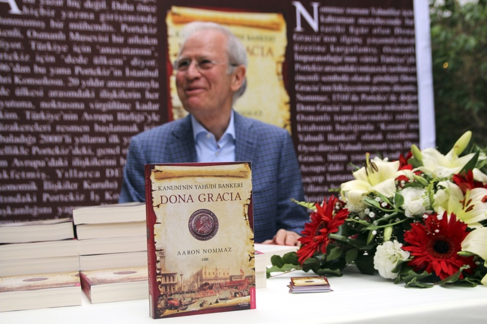 Written in Turkish and translated into English,  u201cKanuniu2019nin Yahudi Bankeri Dona Graciau201d (Dona Gracia, the Jewish Banker of Suleiman the Magnificent), written by Aaron Nommaz, tells the story of Dona Gracia, who at the time was the richest woman.
