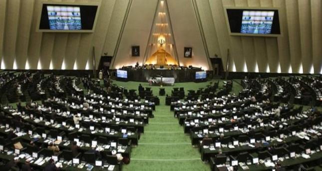 نواب بالبرلمان الإيراني يطالبون بإجراءات ضد التلفزيون الحكومي لإساءته إلى السنة