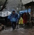 الحكومة اليونانية تهدد بإعادة اللاجئين إلى بلادهم في حال تغيرت الظروف فيها