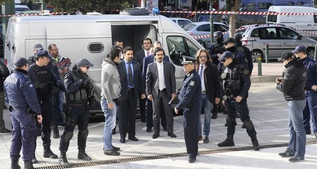 صحيفة يونانية: انقلابيو غولن الفارون لأثينا يبحثون عن بلد آخر