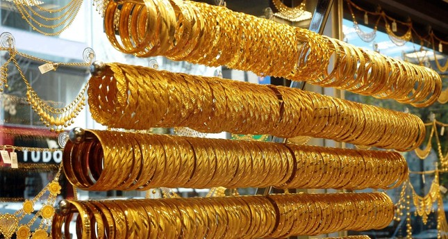 Dubai jewelry firms in Istanbul over taxes at home