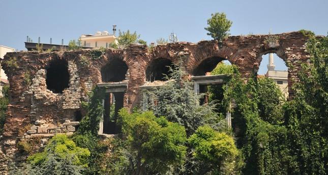 The Boukoleon Palace is located in the Çatladıkapı neighborhood of the Fatih district.
