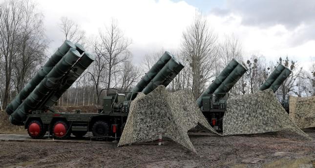 وصول طاقم عسكري تركي لروسيا للتدرب على استخدام منظومة إس- 400 الدفاعية
