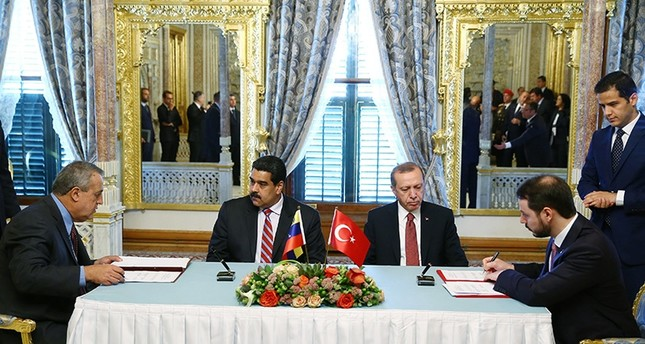 President Recep Tayyip Erdoğan (center right) after a working lunch with Venezuela's Maduro (center left) in this December 2016 File Photo (Sabah Photo)