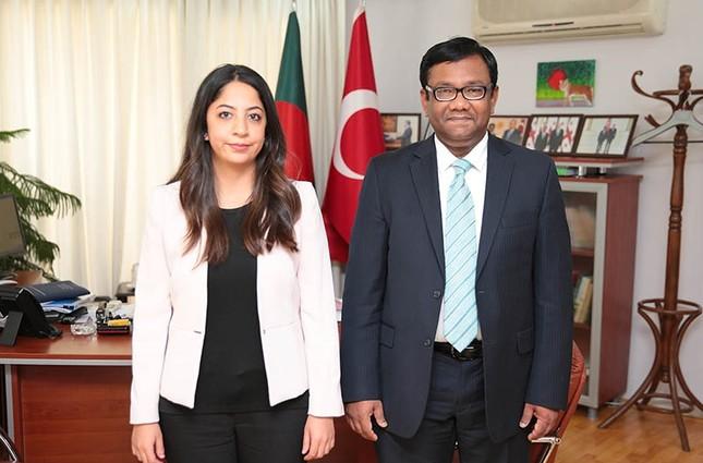 Daily Sabah reporter Özgenur Sevinç L, and Bangladeshi Ambassador to Ankara M. Allama Siddiki.