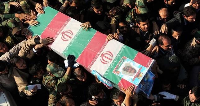 إيران تشيع 6 من المليشيات الشيعية قتلوا في سوريا