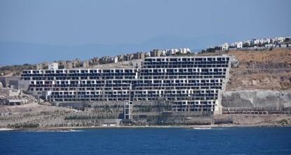 Turkish gov't takes steps against eyesore buildings along Bodrum's coast