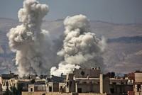 Bei einem Bombenanschlag im Süden der syrischen Hauptstadt Damaskus sind am Montag laut Aktivisten mindestens 16 Menschen getötet worden. Das Attentat habe sich gegen eine Polizeiwache im Viertel...