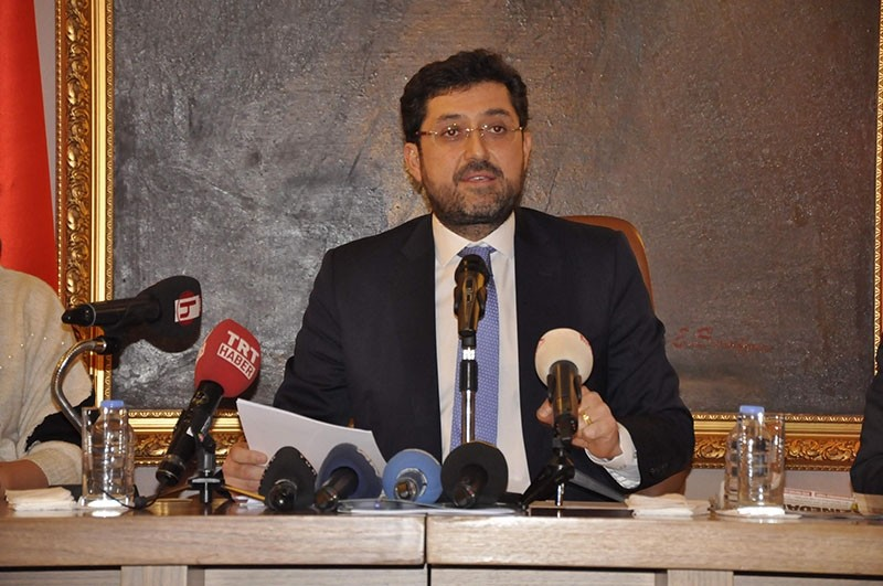 Beu015fiktau015f Mayor Murat Hazinedar gives a press conference at the municipality building in Istanbul on Jan. 4, 2018. (DHA Photo)