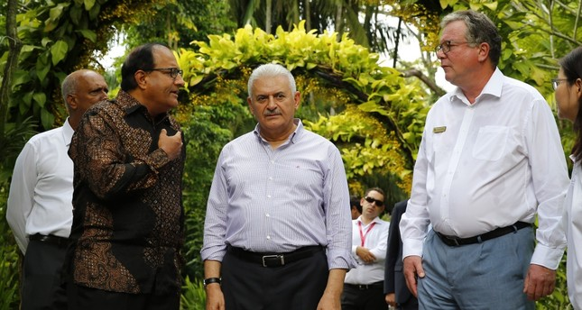 Prime Minister Yıldırım paid a visit to the country's National Orchid Garden while in Singapore, from which he is scheduled to proceed to Vietnnam