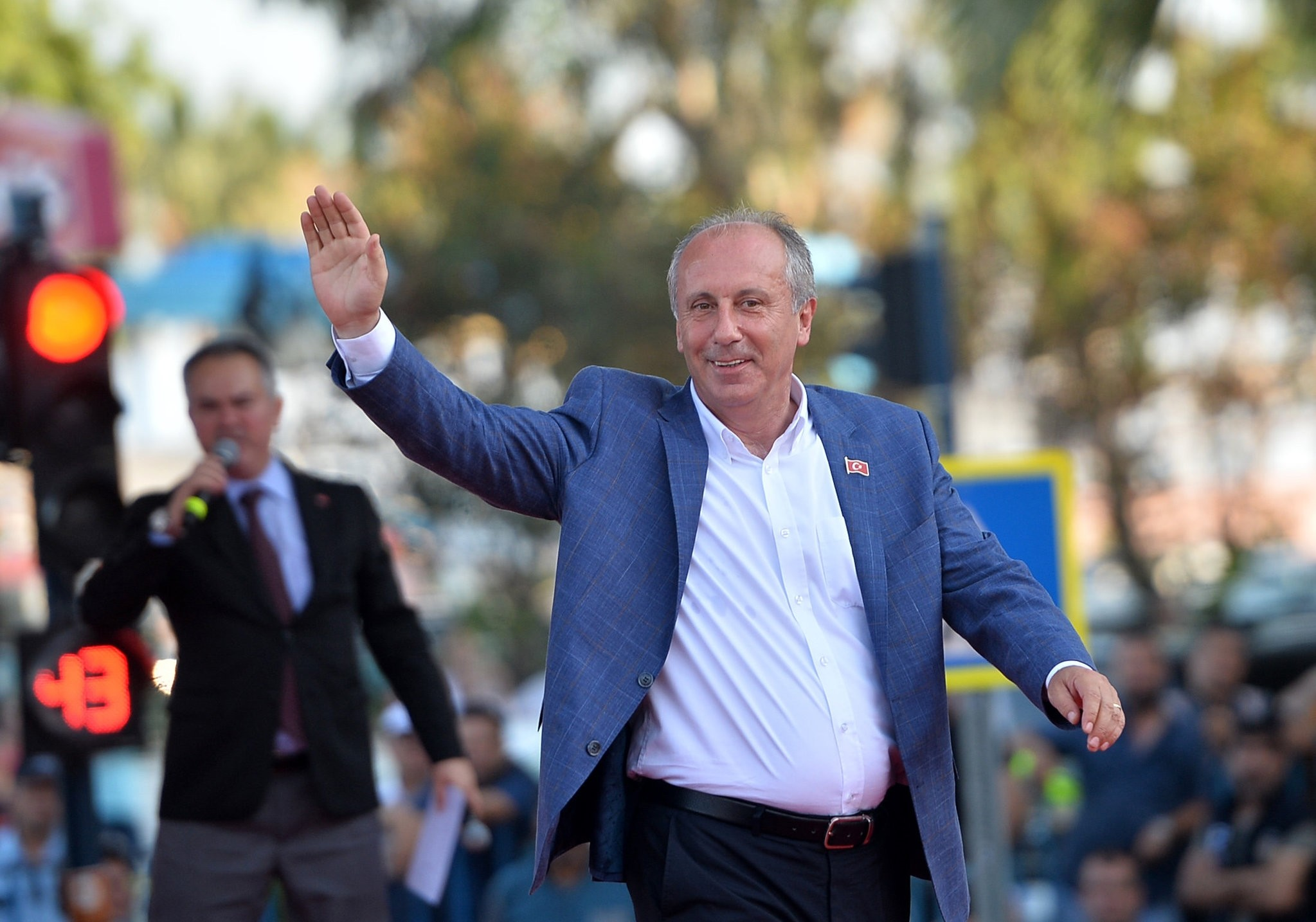 Muharrem u0130nce strengthened his bid for chairmanship in the June 24 presidential and parliamentary elections after he received 8 percentage more points than the CHP itself.