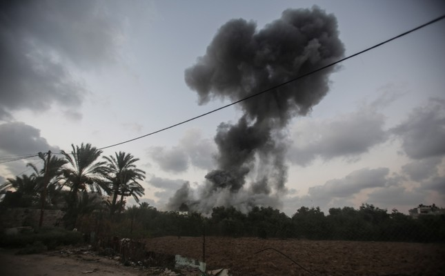 Smoke rises after an Israeli airstrike in the east of Gaza City, July 20, 2018. (EPA Photo)