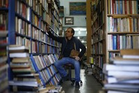 The path for book lovers wandering around the city looking for used bookstores in their curiosity for the past now have a workplace with walls decorated with books in Antalya.  When the books he...