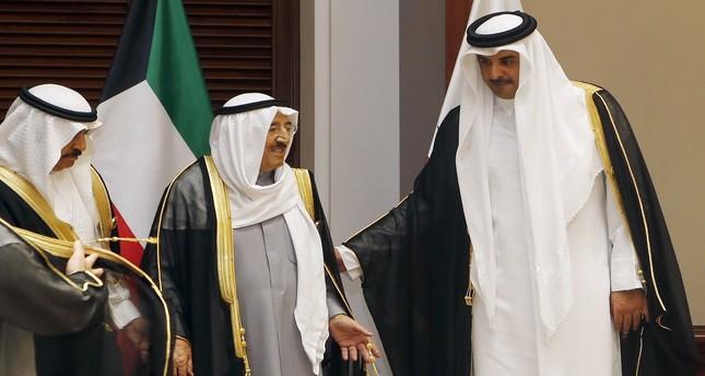 أمير قطر في زيارة للكويت لبحث سبل دعم العمل الخليجي المشترك