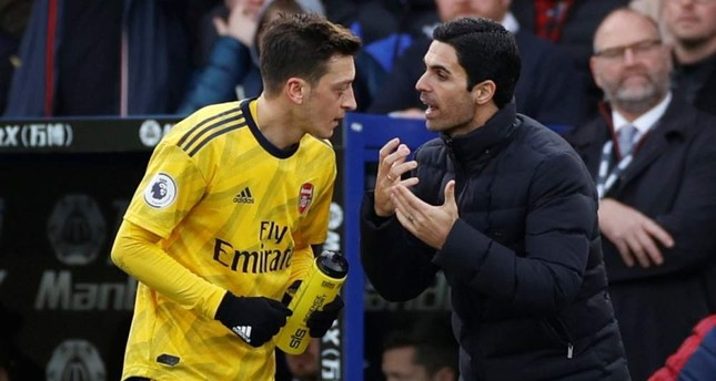 Özil praises Arsenal coach Arteta's impact despite early struggles
