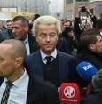 Wilders calls Moroccans 'scum' at Dutch vote launch
