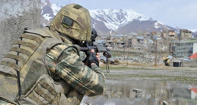 الجيش التركي: تحييد 16 إرهابياً من بي كا كا في عملية عسكرية جنوب شرقي البلاد