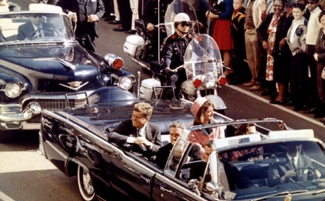 U.S. President John F. Kennedy, First Lady Jaqueline Kennedy and Texas Governor John Connally ride in a liousine moments before Kennedy was assassinated, in Dallas, Texas November 22, 1963. (Reuters Photo)