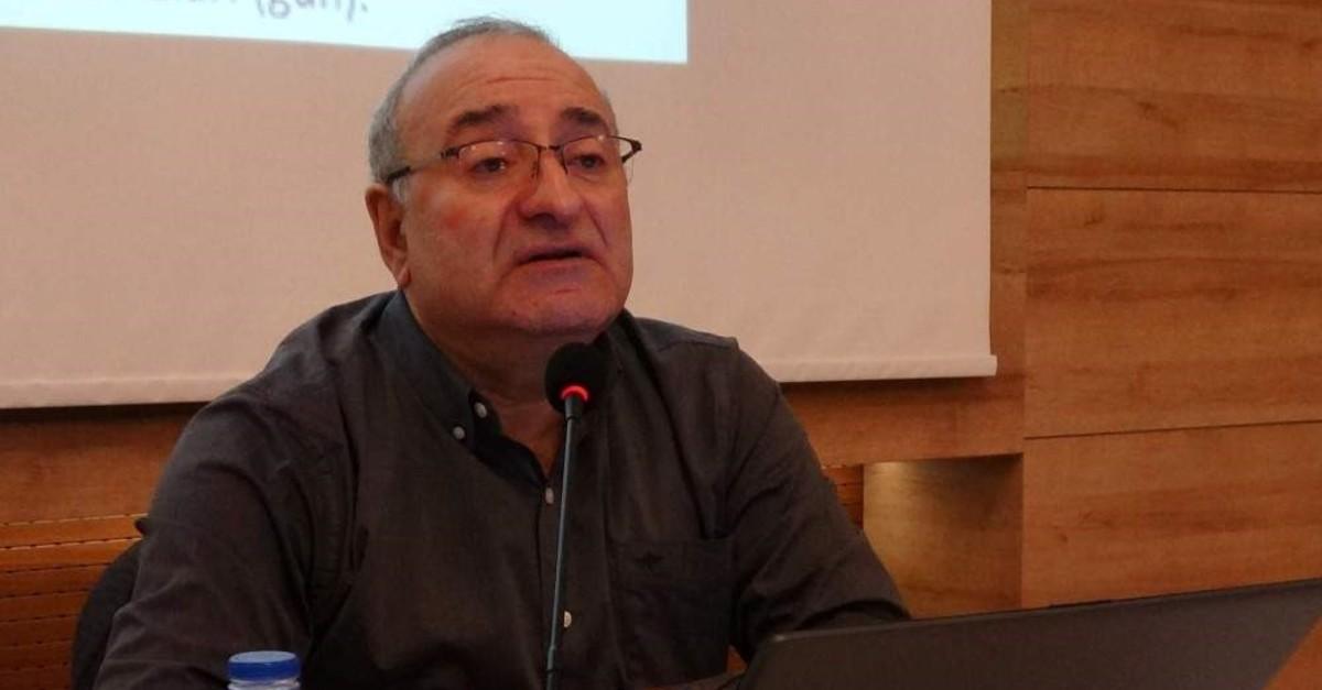Professor Mikdat Kad?o?lu speaks at a panel, Trabzon, Dec. 13, 2019. (?HA Photo)