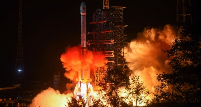 This file picture taken early on December 8, 2018 shows a Long March 3B rocket, transporting the Chang'e-4 lunar rover, lifting off from the Xichang launch centre in Xichang in China's southwestern Sichuan province. (AFP Photo)