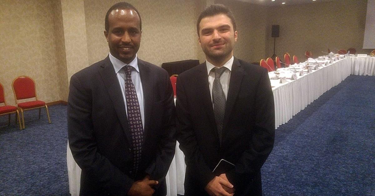 Somaliau2019s Planning, Investment and Economic Development Minister Jamal Mohamed Hassan (L) with Daily Sabahu2019s Mustafa Ku0131ru0131ku00e7u0131ou011flu.
