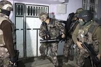 ألقت الشرطة التركية، اليوم الأربعاء، القبض على 35 شخصا للاشتباه في انتمائهم إلى تنظيم