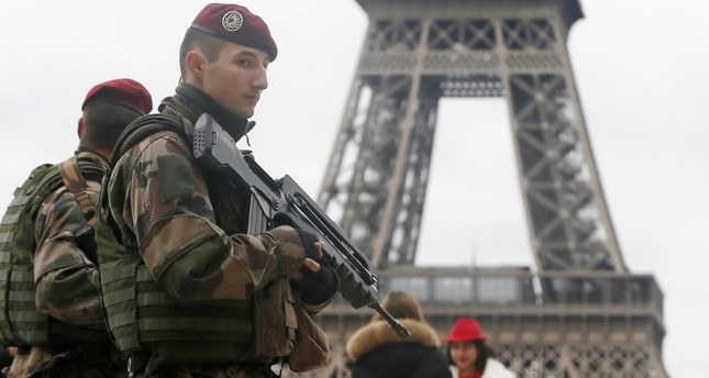 France to deploy soldiers for 'yellow vest' protests