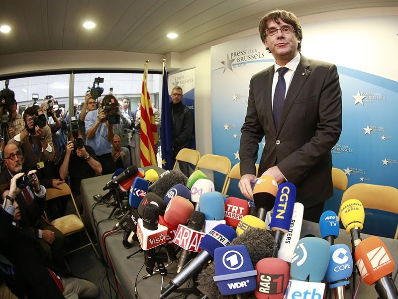 Disputed Catalan regional President Carles Puigdemont attends a press conference at the Press Club Brussels Europe, in Brussels, Belgium, 31 October 2017. (EPA Photo)