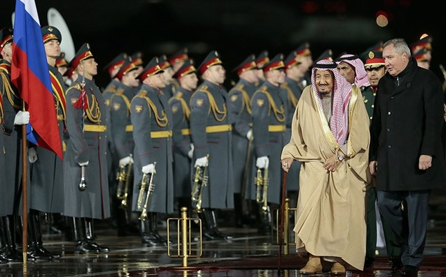 Saudi king in Russia for historic first visit