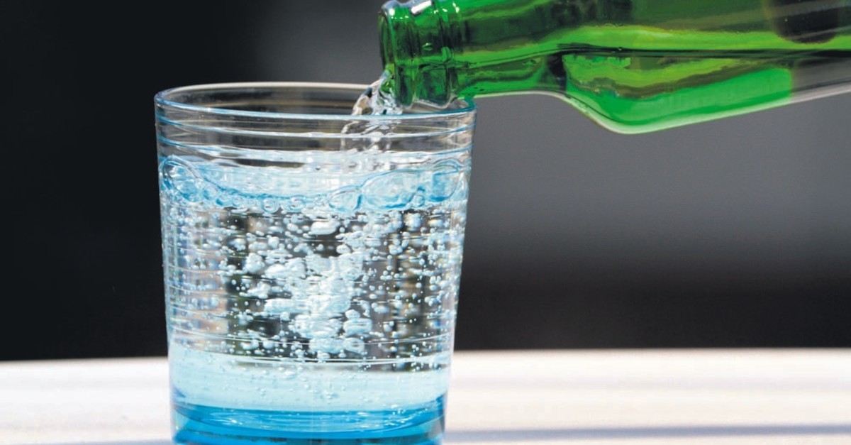 Mineral water has many health benefits thanks to its rich mineral content.