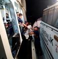 خفر السواحل التركي ينقذ 16 مهاجراً في البحر بعد انقلاب قاربهم المطاطي