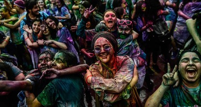 Istanbul charity run a literally colorful event