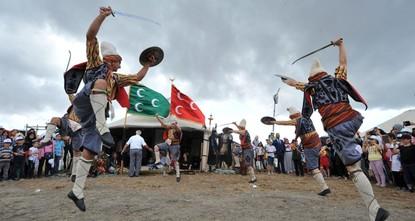 مدينة بورصا تستضيف مهرجان الرياضات التقليدية للشعوب التركية