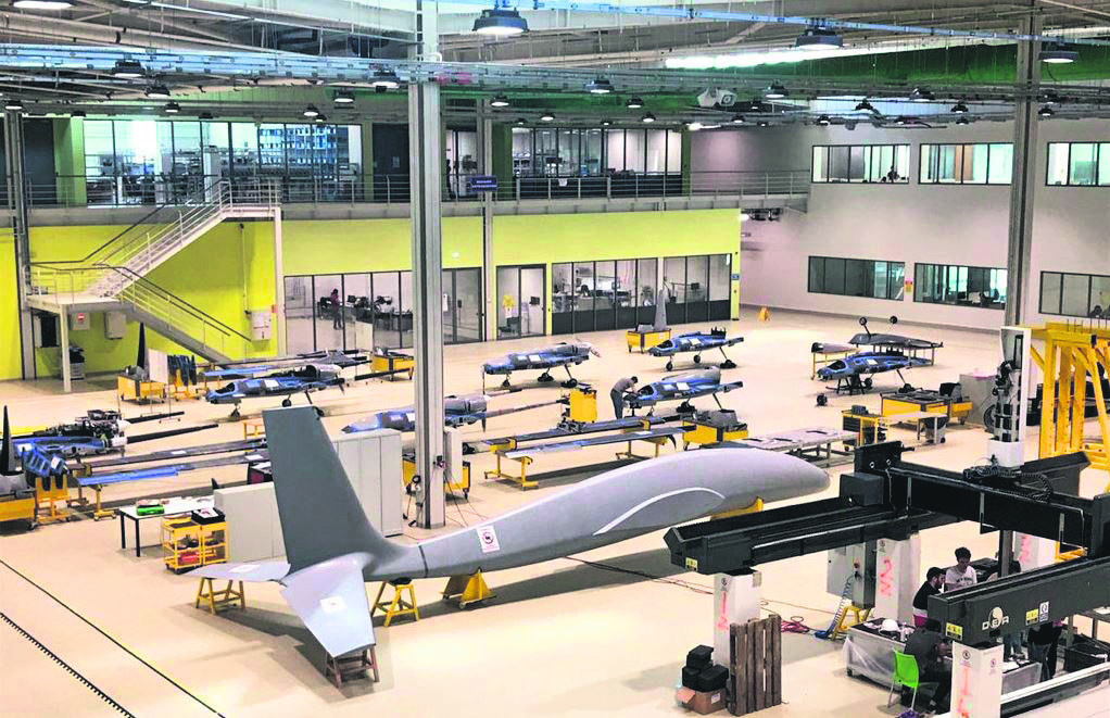 Designed with twin-engine mechanism, Baykar Makinau2019s new combat drone Aku0131ncu0131 has started being manufactured.