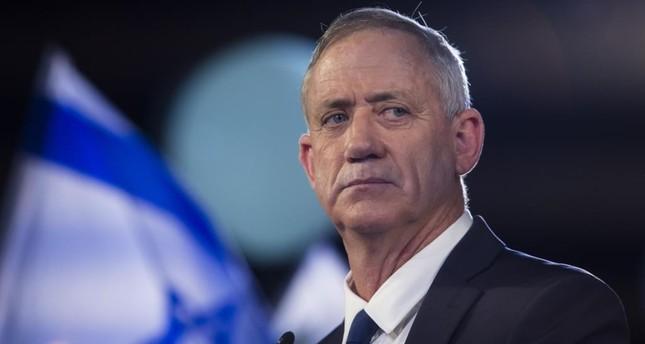 غانتس يتلقى تفويضا رسميا بتشكيل حكومة جديدة في إسرائيل