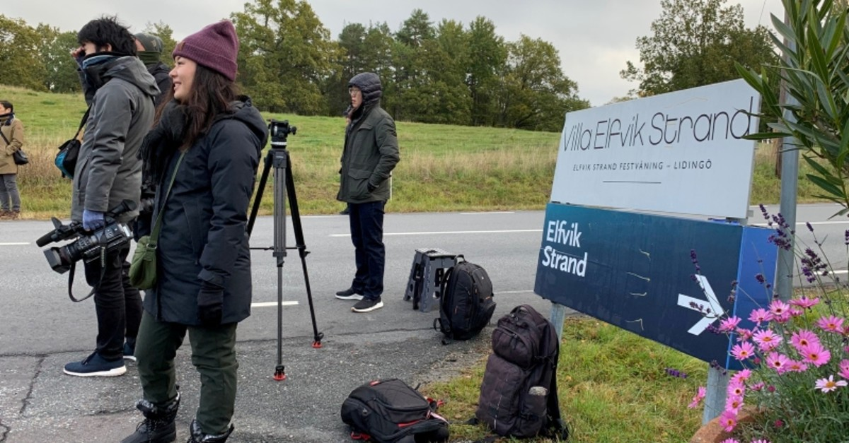 Members of the press wait outside Villa Elfik Strand at Lidingo, outside Stockholm, Sweden, October 5, 2019, where U.S. top negotiator on North Korea, Stephen Biegun is expected to meet North Korea's chief nuclear negotiator. (Reuters Photo)