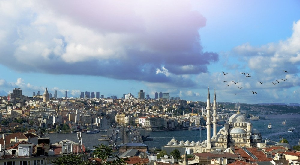 Spectacular views of Istanbulu2019s skyline can be seen during the Istanbul Rooftop Festival, scheduled for this weekend.