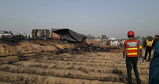 148 killed, over 100 injured in Pakistan oil tanker fire