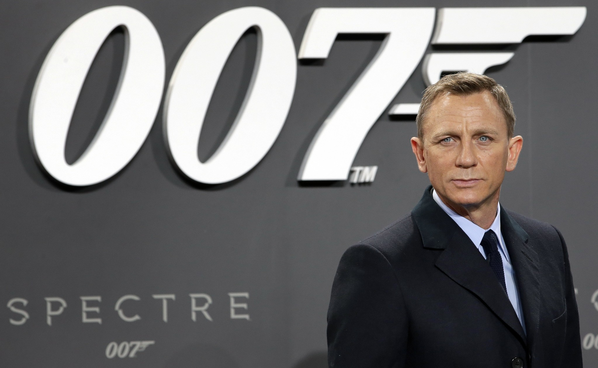 This is an Oct. 28, 2015 file photo of actor Daniel Craig poses for the media as he arrives for the German premiere of the James Bond movie 'Spectre' in Berlin. (AP Photo)